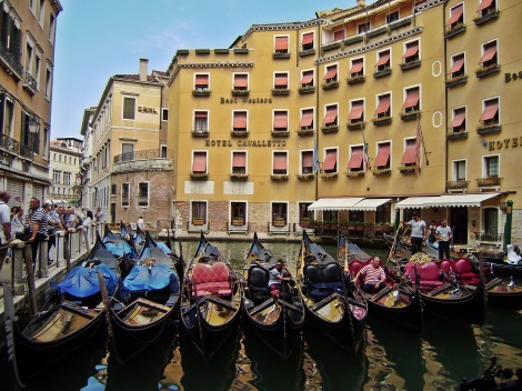 Gondolas... waiting