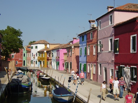 Burano, colourful houses