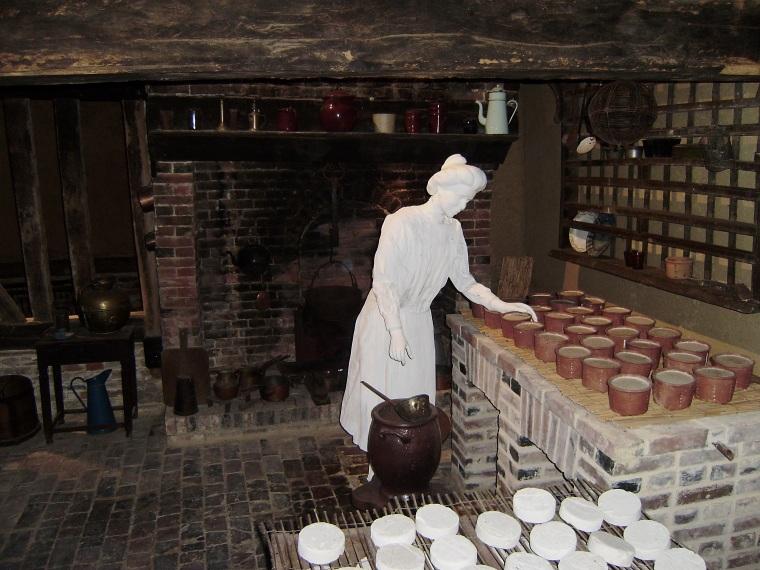 La Maison du Camembert, cheese making