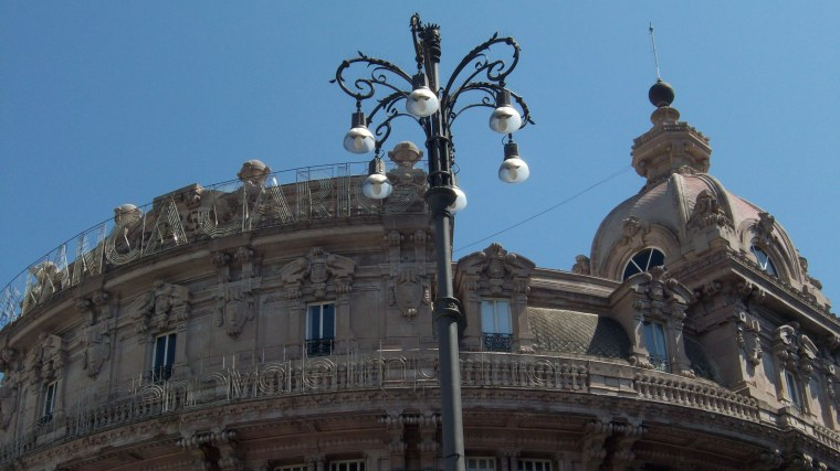 Piazza de Ferrari II
