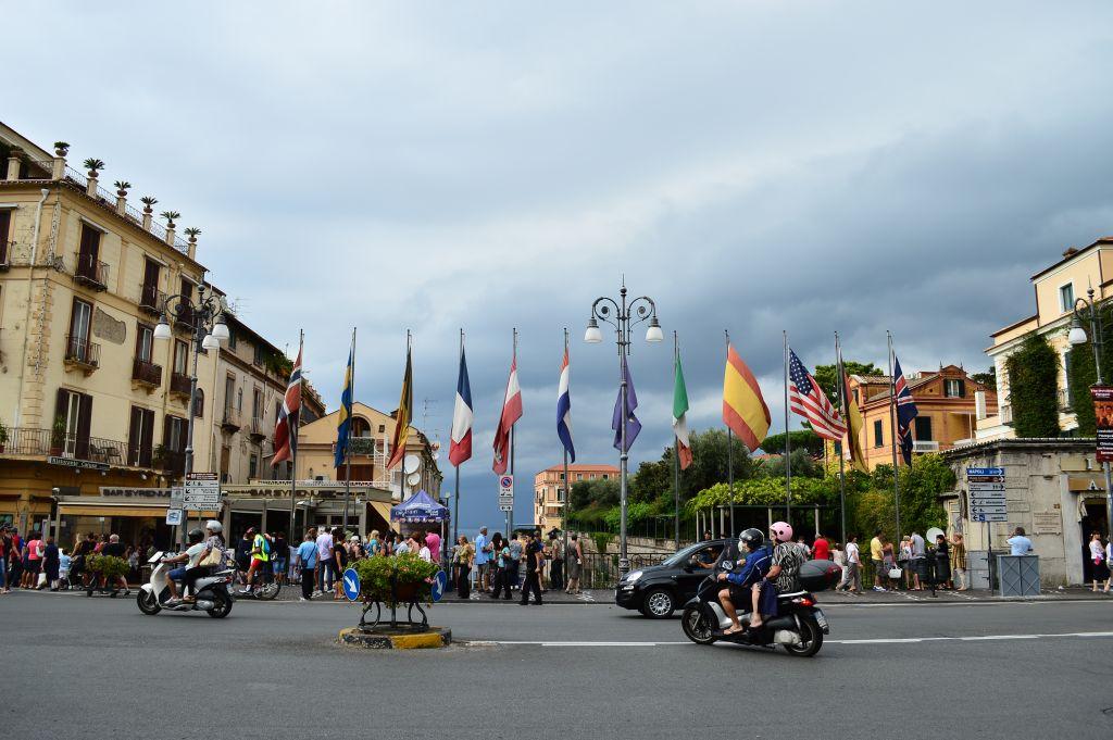 Piazza Tasso, an international place